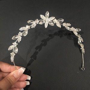 Rhinestone crystal head piece